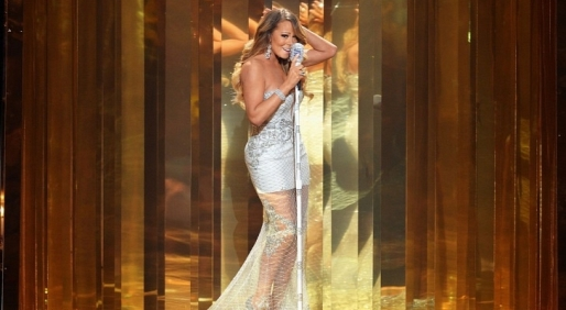 BET-Awards-2013-Mariah-Carey-Performs-with-Miguel-Young-Jeezy