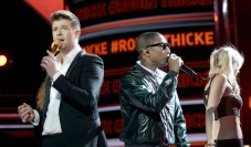 Robin-Thicke-BET-Awards-13