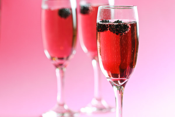 Red Alert! 3 Sexy Weekend Drinks You Have To Try