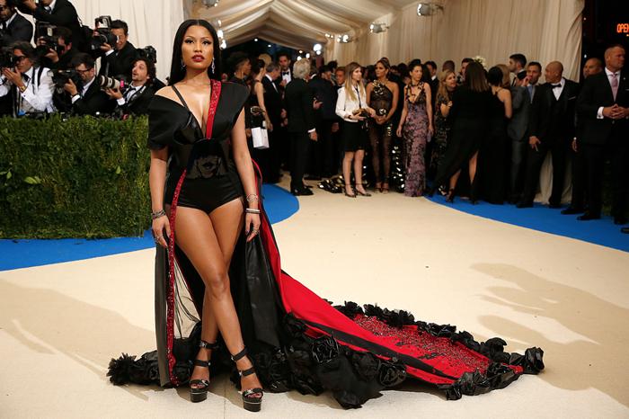 Nicki-Minaj-Photo-Benjamin-Norman-for-The-New-York-Times